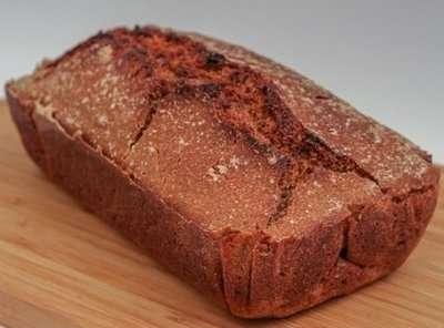 Whole grain breads are low in sugar
